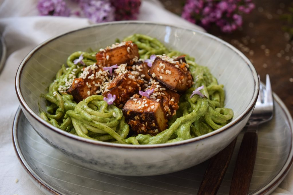Green pasta with sticky tofu